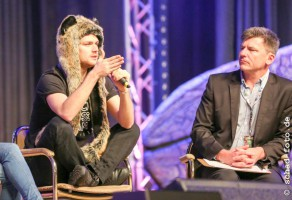 Im Panel von Finn Jones, der in Game of Thrones Loras Tyrell spielt, Foto: Tobias Schad